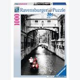 1000 pcs - Venice - Black and White (by Ravensburger)